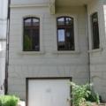 Denkmalgeschütztes Holzfenster 2 Flügelig mit Oberlicht Stichbogen & Kapitellen