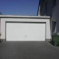 Garagenschwingtor mit Sicke RAL 9016 Weißx