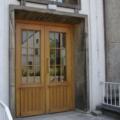 Holz Haustür 2 Flügelig Kiefer Eiche hell lackiert mit Wiener Sprossen mit Stoßgriff