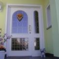 Holz Haustür mit Seitenteil Links & Rundbogen Bleiverglasung Weiß