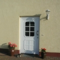 Kunststoff Haustür mit Rodenberg Füllung 202-15 Weiß & Stoßgriff