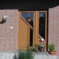 Holz Haustür mit Seitenteil Links & Dreiecks Verglasung & Messing Stoßgriff