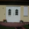 Kunststoff Haustüren mit Seitenteil & Rodenberg Füllung 301-15 Weiß