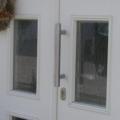 Holz Haustür Weiß mit Edelstahl Stoßgriff 400 mm