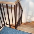 Stahlharfentreppe Farbe RAL 8017 Schokoladenbraun Treppenstufen Buche Massiv 2x 1/4 gewendelt &  Holzhandlauf gerundet Buche 40 X 80 mm & Brüstungsgeländer