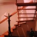 Stahlharfentreppe Farbe RAL 1001 Beige Treppenstufen Buche Massiv 1/8 gewendelt & Wandhandlauf mit Wandhandlaufhalter