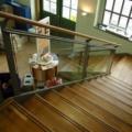 Stahlwangentreppe mit Eiche Massiv Parkett Stufen & Anti Rusch Gummi RAL 7004 Silbergrau