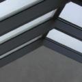 Aluminium Wohn Wintergarten Ausführung als Satteldach 2 x 135 Grad Erker Ecke mit Hebeschiebetür und Seitenverglasung Festverglasung 2 Farbig Außen RAL 3005 Weinrot Innen RAL 7030 Steingrau & WG Zu & Ab Belüftung Sonnenschutzverglasung 70/30 & 10 mm Sicherheitsglas