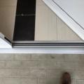 Aluminium Haustür 2-Fügellig AV 207 Milchglas mit Barrierefreie Magnet-Nullschwellen & Integrierter Türschließer für einflügelige Türen bis 1400 mm Flügelbreite mit elektrischer Freilauffunktion & E-Öffner